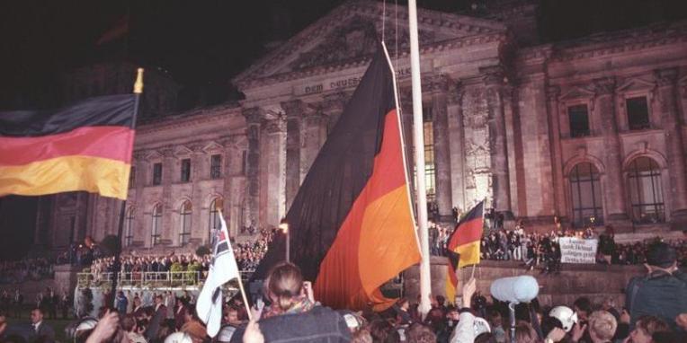 Berlin, deutsche Vereinigung, vor dem Reichstag